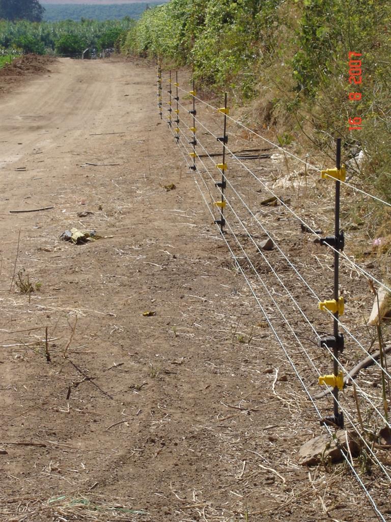 גדר חשמלית קבועה ניידת למניעת חדירת בעח מזיקים 4